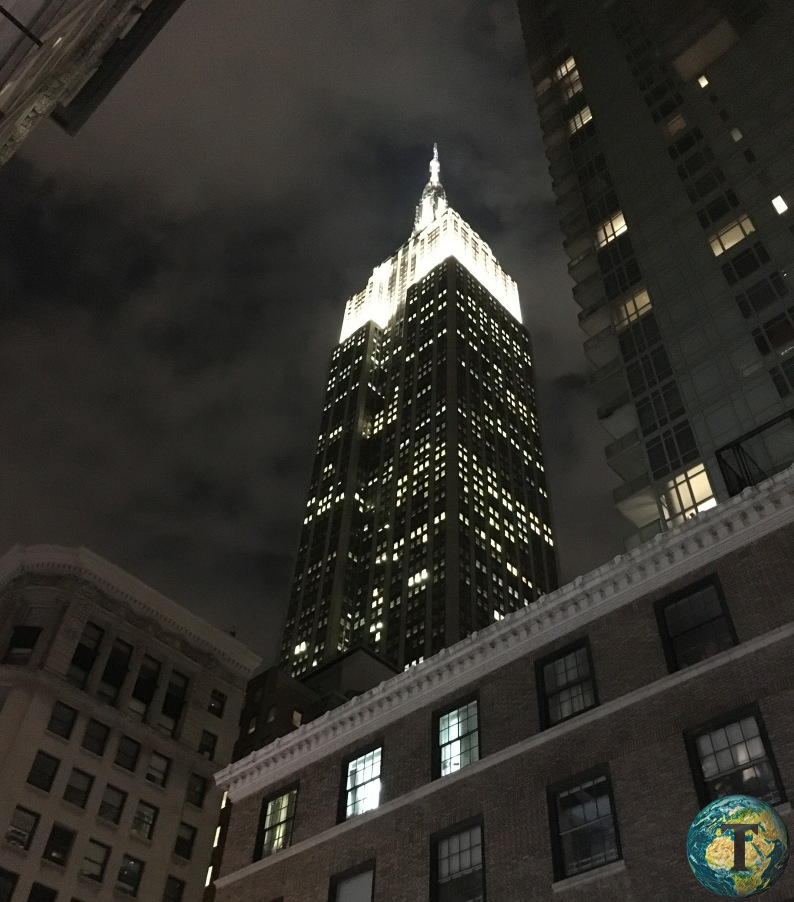 empire-state-building-newyork-notte